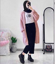 Hijab Fashion Summer, Modest Fashion Hijab, Modern Hijab Fashion, Muslim Women Fashion, Street Hijab Fashion, Tokyo Street Fashion, Hijab Casual, Ootd Hijab, Winter Mode Outfits