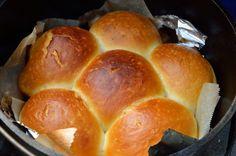 ダッチオーブンでふかふかパンを焼いてみる   MYLOHAS