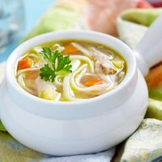 Pamper your family with Homemade Chicken Noodle Soup. This is a classic recipe full of delicious vegetables and chunky juicy chicken. It's a perfect recipe for Fall and Winter - warm up your kitchen and tummy. Spicy Chicken Noodles, Homemade Chicken Soup, Turkey Noodle Soup, Chicken Noodle Soup, Pasta Recipes, Soup Recipes, Healthy Recipes, Recipies, Weight Watchers Pasta