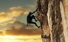 Не хватает сил для преодоления препятствий? Читай:  1. Неудача — это просто возможность начать снова, но уже более мудро. © Генри Форд  2. Если проблему можно разрешить, не стоит о ней беспокоиться. Если проблема неразрешима, беспокоиться о ней бессмысленно. © Далай Лама  3. Даже если вы очень талантливы и прилагаете большие усилия, для некоторых результатов просто требуется время: вы не получите ребенка через месяц, даже если заставите забеременеть девять женщин. © Уоррен Баффет  4. Раз в…