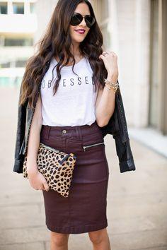 Black leather #jacket, white t-shirt, violet #leather #skirt, leopard print purse. Street women fashion @roressclothes closet ideas