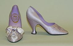 Elegantly lovely pale purple evening shoes  from Christian Dior, 1955. #vintage #fashion #1950s