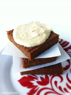 Gingerbread Cake (Vegan Gluten Free) *This recipe is vegan, gluten free, grain free, high fiber, sweet and the perfect Fall Cake. http://www.damyhealth.com/2012/09/vegan-gluten-free-gingerbread-cake/