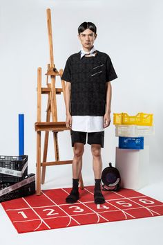 "The World Is Your Oyster SS16 collection titled ""All Possible Future"" draws inspiration from the Internet world. Nowadays, there is a phenomenon that people get strongly attached in all sorts of social media. The advent of e-mail and... »"