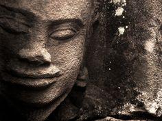 """""""Le sourire que tu envoies revient vers toi. """"Cambodge, temples d'Angkor, juillet 2013"""
