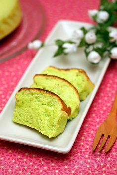 Miss Tam Chiak   Singapore Food Blog   Best Singapore Food   Singapore Food Reviews: Best Pandan Chiffon Cake Recipe