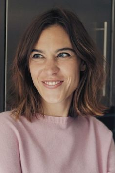 EPISODE three of Alexa Chung's series looking at the future of fashion touches on two important and recurring themes: body image and diversity. Minimal Makeup Look, Alexa Chung Style, Positive Body Image, Kendall Jenner Outfits, Models Off Duty, Victoria Dress, Victoria Beckham, Makeup Looks, Short Hair Styles