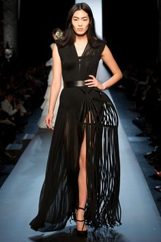 See the complete Jean Paul Gaultier Spring 2015 Couture collection.