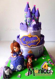 Torta de la Princesa Sofia para Victoria con detalles únicos en ella DE  Monica pastas y Dulces