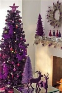 Deep Purple Christmas Colors, 25 Ways to Add Ultra Violet Accents to Your Holiday Decor Purple Christmas Decorations, Purple Christmas Tree, Noel Christmas, Christmas Colors, Winter Christmas, All Things Christmas, Tree Decorations, Christmas Crafts, Christmas Arrangements