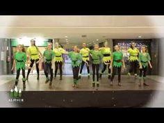 YouTube Christmas Dance, Classroom Activities, Youtube, Spanish, Merry, Songs, Workout, Education, Balls