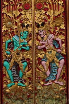 arjuna-vallabha:  Wishnu and Shiwa, balinese door