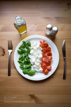 Pic: Italys flag on a plate