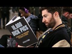 Американский комик провёл эксперимент, в ходе которого проверил реакцию пассажиров метро на обложки книг с провокационными названиями. (+Видео) — Vinegret