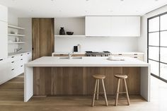66 Trendy Kitchen Layout With Island Openness Counter Tops White Wood Kitchens, White Kitchen Cabinets, Glass Cabinets, Kitchen Shelves, Wood Cabinets, Living Room Kitchen, New Kitchen, Kitchen Ideas, Kitchen Wood