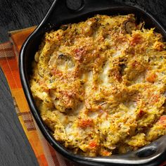 Spaghetti Squash Casserole Bake Recipe -Don't be fooled by this casserole—it only looks complicated! One of our daughters passed the recipe on, along with squash from her first garden. Spaghetti Squash Casserole, Spaghetti Squash Recipes, Vegetarian Spaghetti, Vegetarian Menu, Veggie Recipes, Baking Recipes, Yummy Recipes, Pork Recipes, Pasta