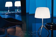 The Foscarini Lumiere 05 Grande is a large table lamp. You have a choice of three frame colors and four screen colors in this light. Order the Lumiere 05 Grande and many other Foscarini lamps online in our shop. Unique Table Lamps, Large Table Lamps, White Table Lamp, Office Lamp, Office Lighting, Luxury Italian Furniture, Contemporary Floor Lamps, Luminaire Design, Decoration Design