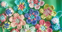 Hello! I hope you're having a lovely day!        You know how I really like crochet flowers?     Well, I have a little pattern to shar...
