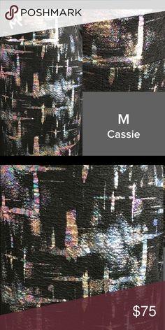 LulaRoe NWT medium Elegance Cassie LulaRoe NWT medium Elegance Cassie LuLaRoe Skirts Pencil