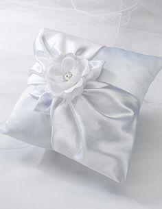 Cuscino porta fedi in raso bianco con fiore