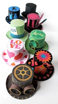 Easy to make printable mini paper top hats for dress up, fun and to parties!