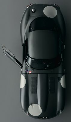 Jaguar E Type. Stunning photo