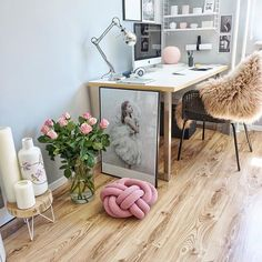 HAPPY 💕...thursday and this means to me joining @veryloveri_home her #almostfridaypic 😍💕 . Heute ist Donnerstag 💕da mach ich doch glatt bei der @veryloveri_home mit ihrem #almostfridaypic 💕😍 . #einrichtung#büro#arbeitsplatz#office#homeoffice#interiordesign#interior9508#rom123#interior123#interior#homedecor#ilovemyinterior#interiorstyling#inspiremeinterior#solebich#mrscarlissa#interiormagasinet#fashionaddict#fashifeen#dream_interiors#interior4all