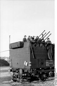 Railcar-mounted 2 cm Flakvierling 38 anti-aircraft gun in France, circa photo 1 of 2 Military Photos, Military History, Luftwaffe, Railway Gun, World Conflicts, Rail Car, Battle Of Britain, German Army, War Machine