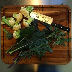 """""""For todays farm stand in the Sendero neighborhood I'm making a stir fry mix made up of small cauliflowers broccoli flowers and small florets red russian kale carrots and celery. The inspiration came from a farmers market I attended in Rome that used the ugly or non-uniform veggies that wouldn't sell otherwise and giving them another chance  #growyourown #localonly #farmersmarket #valueadded #organic #urbanagriculture #urbanag #communityfarm #agrihood #farmtofork"""" @beekeepingypsy"""