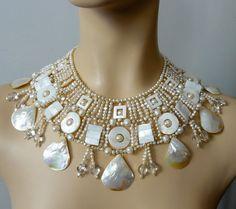 Modern egiptian broad necklace by Silvia Malaguzzi | Beads Magic
