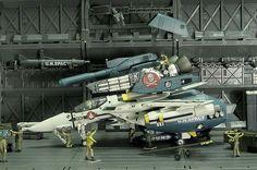 Hach ja... Wenn ich nur irgendwo mal SuperParts finden würde, die an meine Arcadia VF-1 passen...