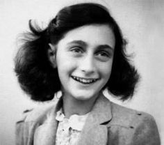 Hace 72 años Ana Frank fallecía en un campo de concentración Nazi.