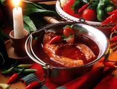 A hot, spicy paprika-based river fish soup with red onions, green peppers and tomatoes. Hungarian Cuisine, Hungarian Recipes, Hungarian Food, Best Soup Recipes, Chicken Recipes, Favorite Recipes, Fish Soup, Good Food, Yummy Food