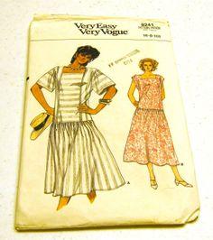Summer Dress - Vogue 9241 (Size 6-8-10)
