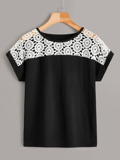 Sewing Clothes, Diy Clothes, Blouses For Women, T Shirts For Women, Latest T Shirt, Blouse Designs, Fashion News, Fashion Dresses, Tees
