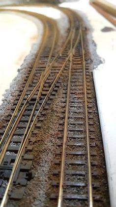Ho Train Track, Train Tracks, N Scale Model Trains, Model Train Layouts, Ho Scale Train Layout, Model Railway Track Plans, Ho Trains, Electric Train, Model Building