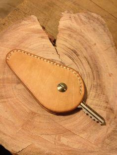 Leather keys holder.