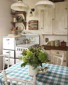 Vintage Farmhouse Decor I talk all the time about being authentic. So, I try to shut out the constant voices that pick at my parenting, decorating, faith, Country Farmhouse Decor, Farmhouse Kitchen Decor, Country Kitchen, Country Life, Modern Country, Vintage Farmhouse, Country Style, Rustic Decor, French Country