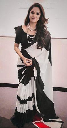 Bollywood Style Designer Saree Digital Printed Saree Party Wear Saree Exclusive Digital Printed Saree Black And White Colore Lariya Style by AlishafashionStudio on Etsy Saree Jacket Designs, Saree Blouse Neck Designs, Fancy Blouse Designs, Saree Blouse Patterns, Dress Patterns, Sari Bluse, Indische Sarees, Party Kleidung, Outfit Invierno