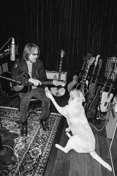 Oh dear god, Tom Petty with a dog. Tom Petty, Music Is Life, My Music, Best Rock, Music Icon, My Favorite Music, Rock Bands, Rock N Roll, Puppy Love