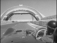 Mike Hawthorn drives Le Mans in a D-Type Jaguar. Le Mans, Jaguar, Lemans Car, F1 Motor, 1950s Car, Triumph Spitfire, E Type, Automotive Art, Car Videos