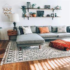 Living Room Carpet, Rugs In Living Room, Home And Living, Living Room Designs, Modern Living, Small Living, Living Room Ideas, Barn Living, Modern Room