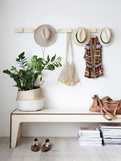 hat rack, via the design files / sfgirlbybay Home Interior, Interior Styling, Interior Decorating, Interior Design, Decorating Ideas, Simple Interior, Design Interiors, Decoration Hall, Entryway Decor