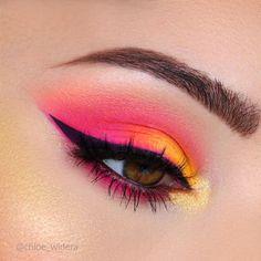 Shut up eye make-up Shut up on my Neon Look 💥 Utilizing Huda Magnificence Neon Orange Obsess Bright Eye Makeup, Makeup Eye Looks, Colorful Eye Makeup, Cute Makeup, Makeup Set, Orange Eye Makeup, Orange Eyeshadow Looks, Awesome Makeup, Pink Makeup