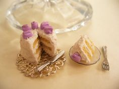Vanilla Cake Miniature by DreamlandMiniatures on Etsy, $12.50