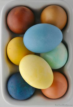 Have you ever tried to dye your Easter eggs with natural items you might already have in your pantry? If you're looking for a safe, easy, and fun way to dye egg…