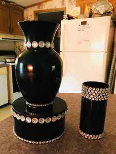 Glitter Vases, Wedding Reception Centerpieces, Red Party, Diy Projects To Try, Decorating Ideas, Decor Ideas, Craft Ideas, Event Planning, Floor Lamp