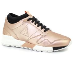 Le Coq Sportif Rose Gold Omicron W S Lea Metallic Running Shoes (145,200 KRW) ❤ liked on Polyvore featuring shoes, athletic shoes, pink metallic shoes, rose gold shoes, pink sparkly shoes, pink athletic shoes and pink shoes