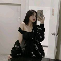 cute girl ulzzang 얼짱 hot fit pretty kawaii adorable beautiful korean japanese asian soft grunge aesthetic 女 女の子 g e o r g i a n a : 人 Edgy Outfits, Korean Outfits, Mode Outfits, Girl Outfits, Fashion Outfits, Korean Girl Photo, Korean Girl Fashion, Ulzzang Fashion, Pretty Korean Girls