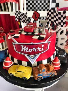 Lightning McQueen birthday theme for Morri. 🚗🎊🎈🎂 by Natividad Lightning Mcqueen Cake, Fondant, Party Themes, Sweet Tooth, Food Porn, Birthday Cake, Desserts, Drinks, Nativity